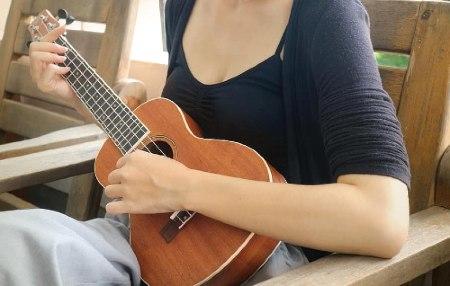 Beneficios de tocar un ukelele