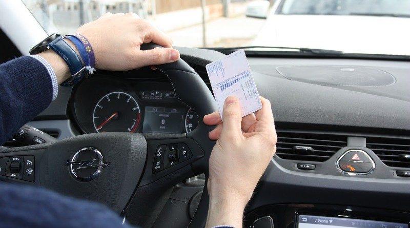 Sacarse el carnet y conducir un coche